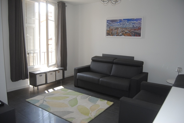 A modern one bedroomed apartment in the heart of Cannes - Rue Hoche